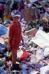 パヤタスゴミ捨て場の少女